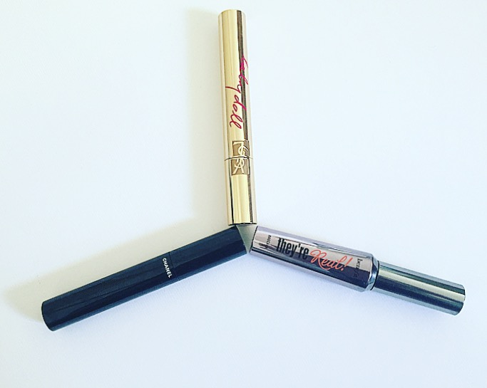 De heilige drie eenheid van mascara's? Review: Benefit They're Real, YSL Baby Doll en Chanel Le Volume.