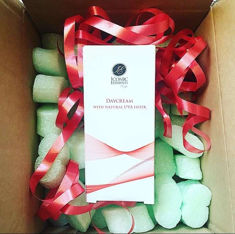 Een heerlijk nieuw huidverzorgingsmerk uit Nederland! Review: Iconic elements Sensitive Cream, Spot Reducer Cream en winactie!