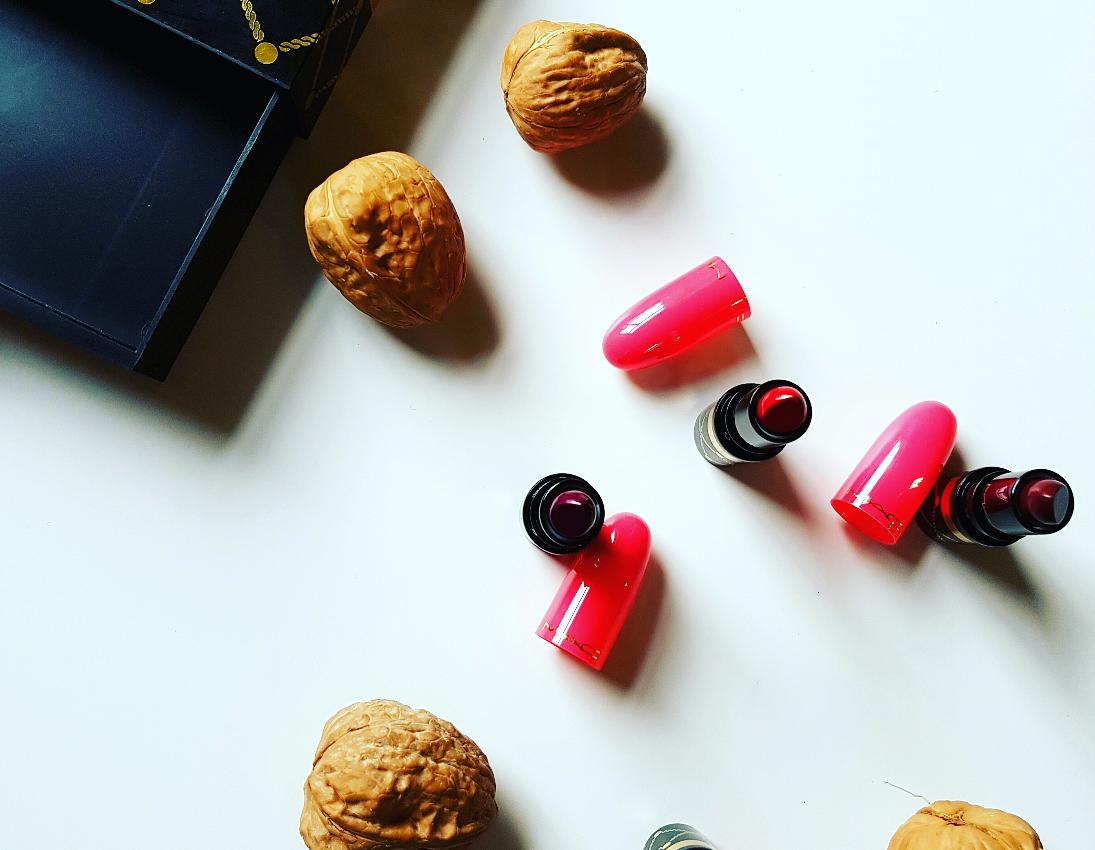 Review: Mac Nutcracker Sweet Red Lipstick Kit
