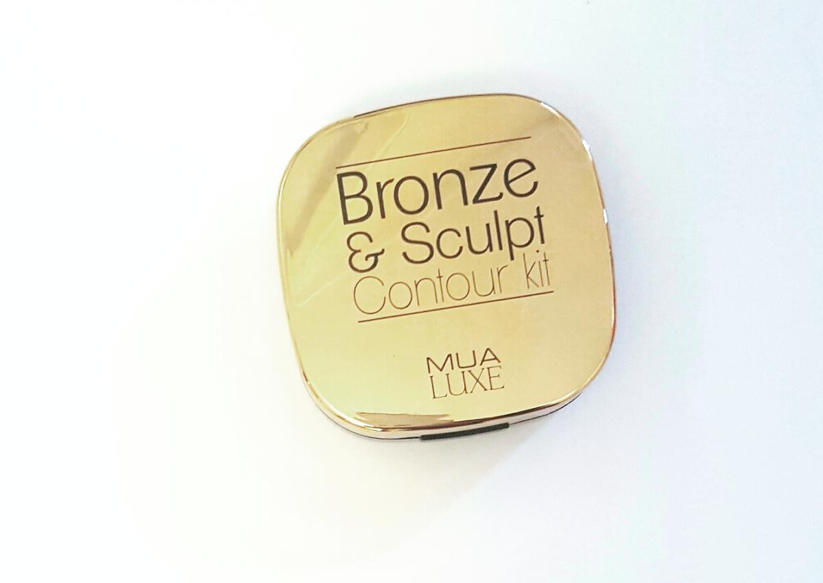 Mis jij ook je zongebruinde huidje? Review: MUA Bronze & Sculpt Contour Kit